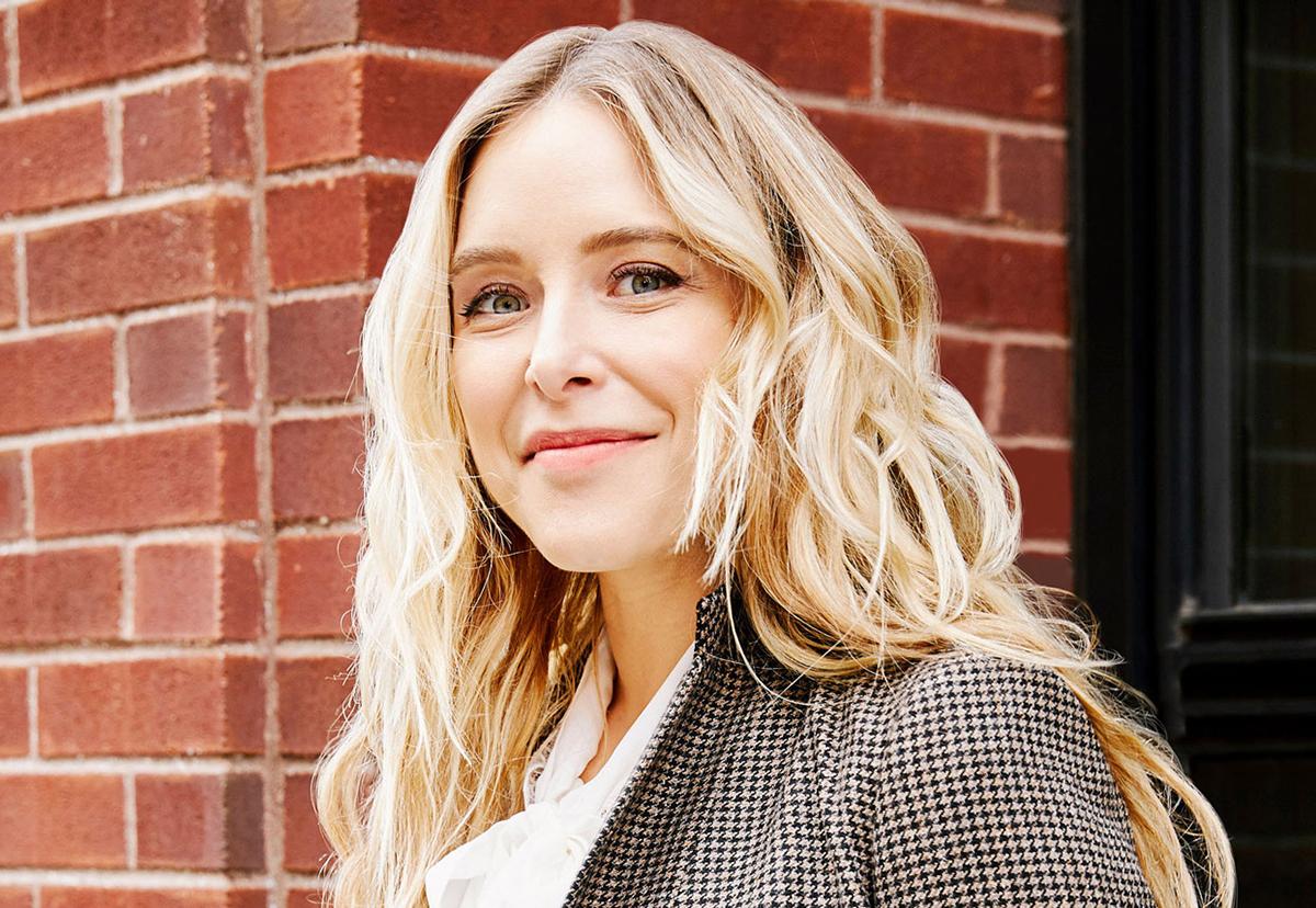 Jenny Mollen là diễn viên, tác giả có sách bán chạy nhất nước Mỹ. Ảnh: Parents.