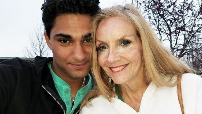 Chàng sinh viên 19 tuổi đã bị thu hút bởi phụ nữ lớn tuổi và giờ đã chọn được người hơn mình 39 tuổi. Ảnh: The Sun.