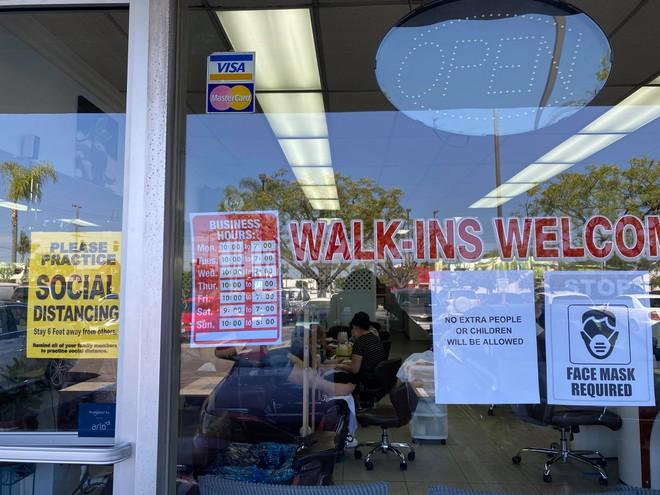 Việt kiều Mỹ: Tiệm nail California ùn ùn khách khi Thống đốc lệnh đóng cửa trở lại - ảnh 5