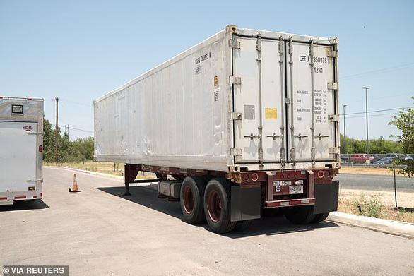 2 bang ở Mỹ lưu Ƭhi Ƭhể c h ế t vì Covid-19 trong container đông lạnh vì nhà xác hết chỗ chứa - Ảnh 1.