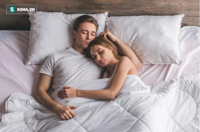 Tiến sĩ Mỹ mách bạn cách để say giấc nhanh chóng: Ai mất ngủ, khó ngủ thì nên áp dụng - Ảnh 1.
