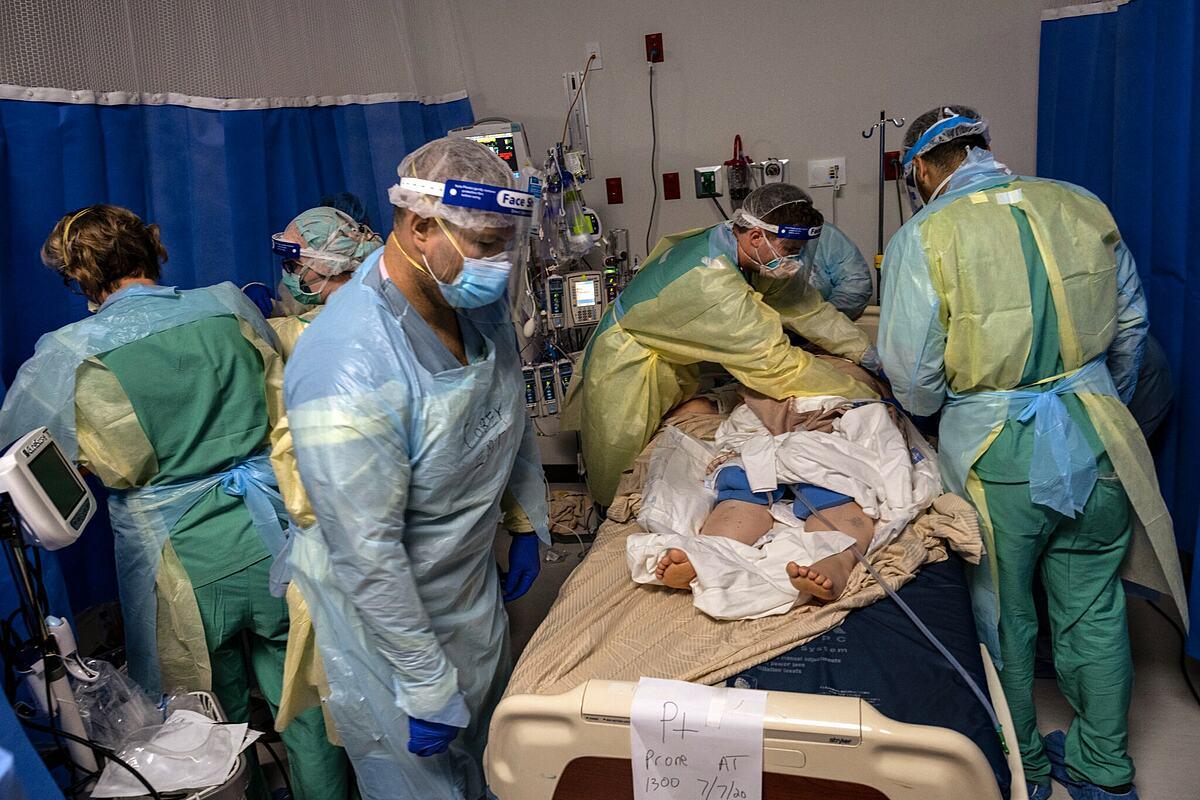 Một bệnh viện tại thành phố Edinburg, Texas, tháng 7/2020. Ảnh: NY Times